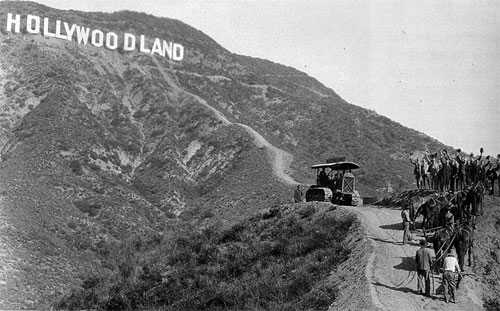 hollywoodland-sign